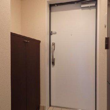 玄関※写真は別部屋