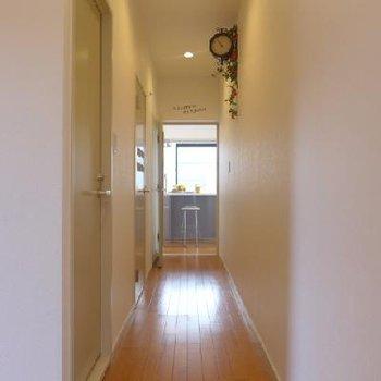 廊下を進むと・・・