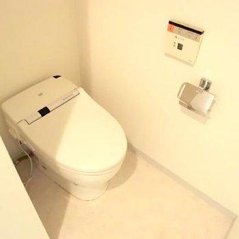 トイレ併設。それさえもおしゃれです。※写真は前回募集時のものです
