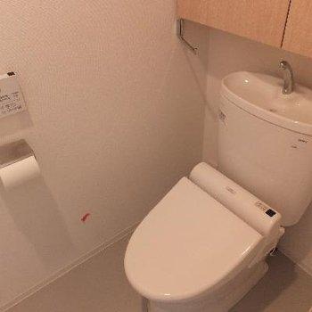 上品な雰囲気のトイレ