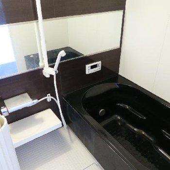 贅沢までのバスルーム。