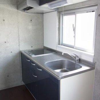広めのキッチン※写真は別室