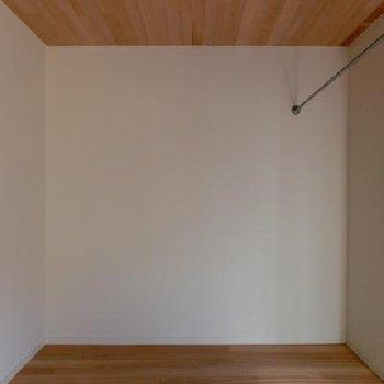 ハンギンググリーンでお洒落に。 ※写真は別部屋です