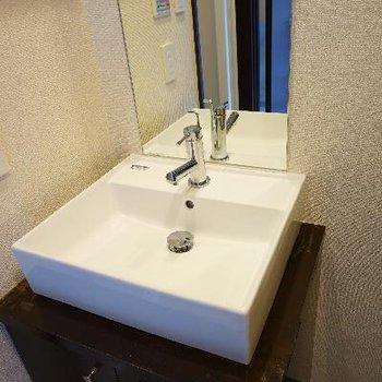 洗面台は可愛くシンプルに!