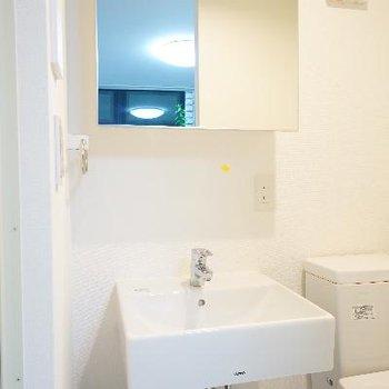 洗面台はすっきりシンプルに!!※写真は前回募集時のものです。