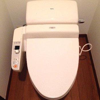 トイレが天井も高くて広かった!!