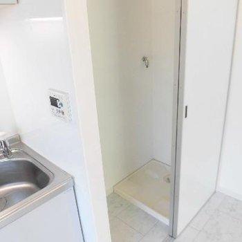 洗濯機はキッチンの横です