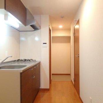 廊下。キッチンは分かれていますので臭いなど気にせず料理を※画像別室