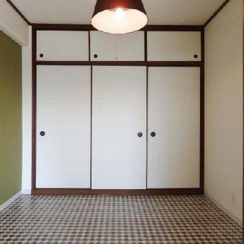 畳の部屋は和モダンにリノベ。