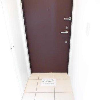 玄関はタイルなのでお掃除も楽ちん♪