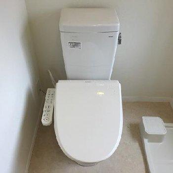 トイレと同じスペースを脱衣所として使用します