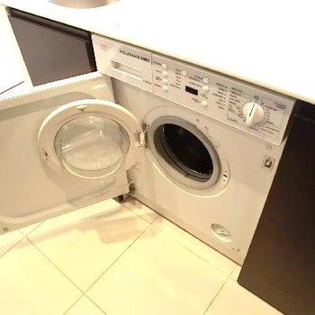 真ん中はなんと洗濯機◎