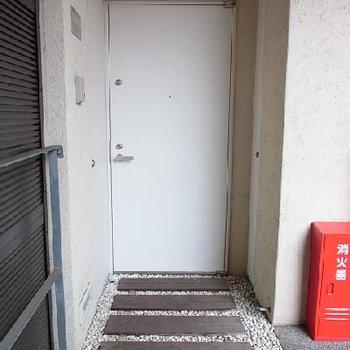 玄関をロッジ風※写真は別のお部屋です
