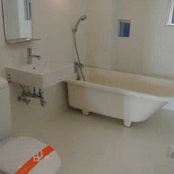 風呂・洗面台・トイレは全部一緒※画像反転