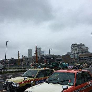 豊洲の駅前はこんな感じです