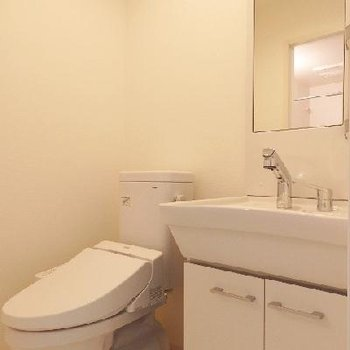 トイレ・洗面台は一緒のスペースに