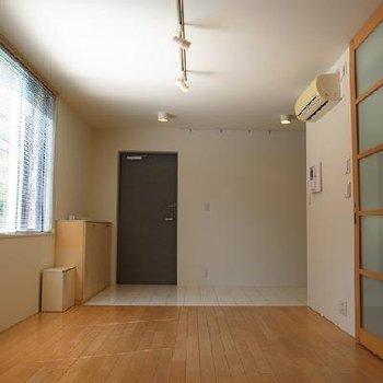 玄関の土間は自転車も置けちゃう広さです※画像は別室です
