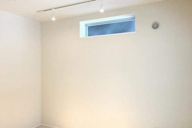 白の囲みのお部屋