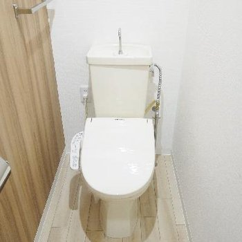 トイレも落ちつくナチュラルテイスト