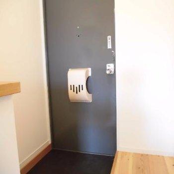 シューズボックも無垢系や北欧家具にしてみては。※写真は前回募集時のものです