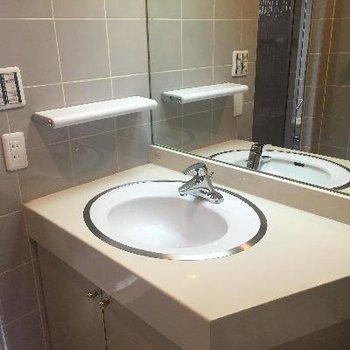 洗面台はホテルみたい!