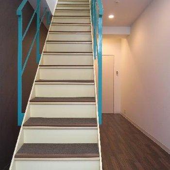 存在感たっぷりの階段。