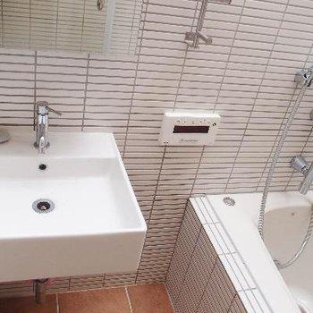 洗面台はこちらに。