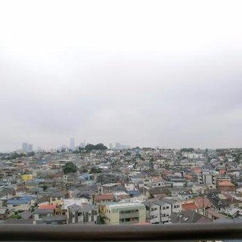 横浜を一望できます!ランドマークタワーがみえますよ〜