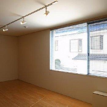 土間も含めて15帖越えのお部屋です。※写真は別のお部屋です