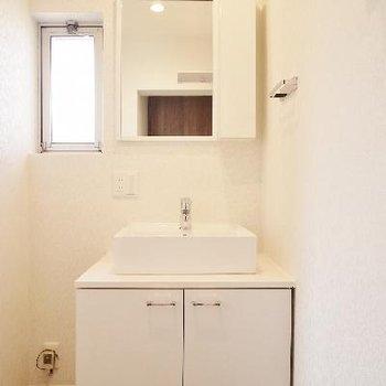 洗面所に窓は湿気対策に最適