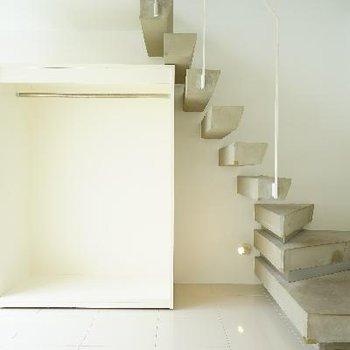 階段下に収納です♪