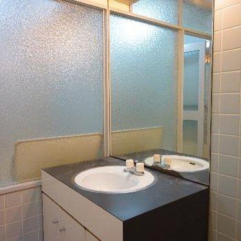 洗面台もちょっと変わったデザイン!