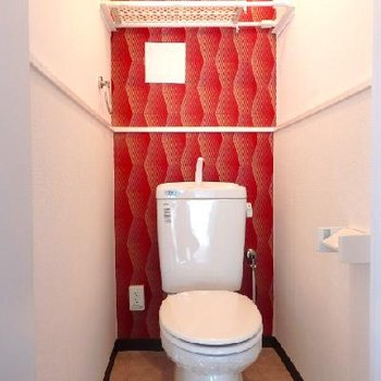 トイレの壁がトリッキー!!