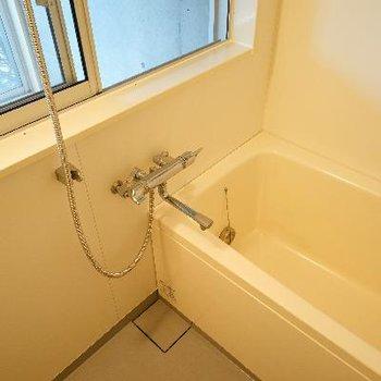 お風呂は追い焚きと乾燥機付き!※写真は前回募集時のものです