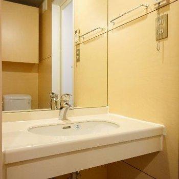 洗面台はゆったりサイズ!※写真は前回募集時のものです