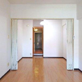大きなお部屋を仕切って使うこともできます。