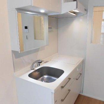 このキッチンは洗面台の役割もします!