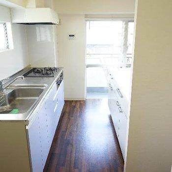 キッチンのスペースも広々!