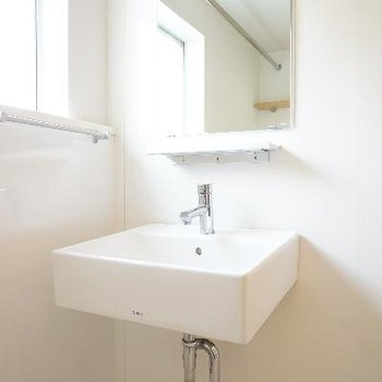 シンプルな洗面台!