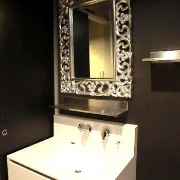 こんな洗面台、見たことありません!