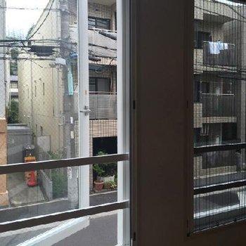 窓の外。※写真は別部屋