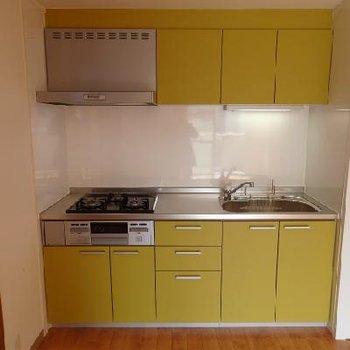 可愛いカラーのキッチン※画像別室