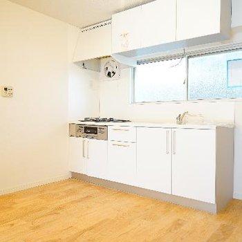 キッチンもゆったりな空間に!※完成前の写真・前回募集時の写真です。