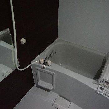 お風呂は乾燥機がついてます!
