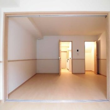 スライドドアをあけると広いんです
