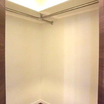 こんなに広々です!!廊下にももう一つこのくらいの納戸あります!