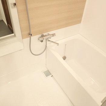 お風呂は浴室塗装で新品のように生まれ変わりました!※前回募集時のお写真です