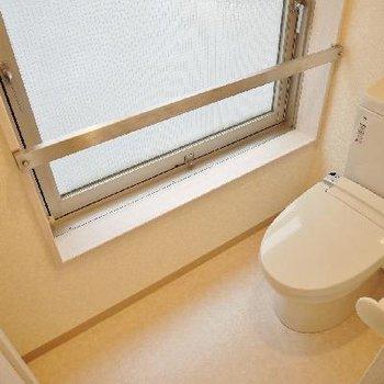 ゆったりとしたスペースのトイレは居心地いい