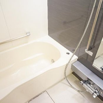 お風呂もゆったり機能的♪