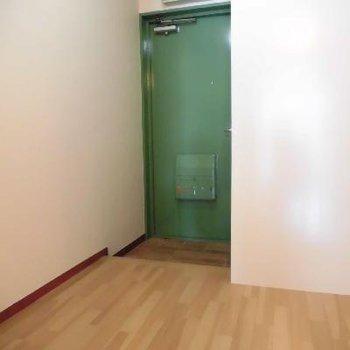 謎に広いこの空間☆緑おくといいかも!